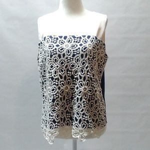 Buttons Navy and Cream w/ lace detail Top Size M